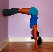 yoga hand stand