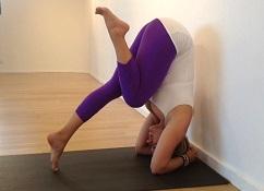 yoga head stand